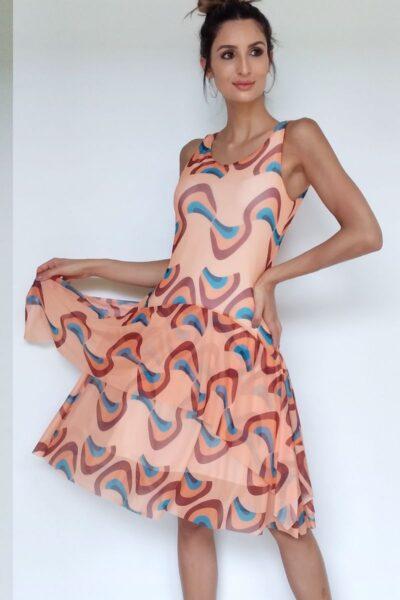 Vestido de tule manga cavada e com sobreposição de camadas /085TCC-102
